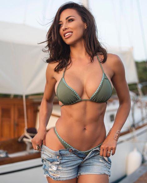 Ana Cheri4
