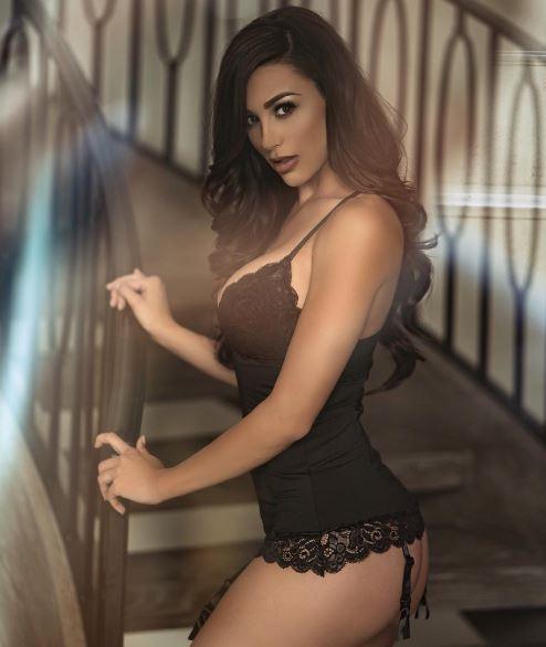 Ana Cheri7