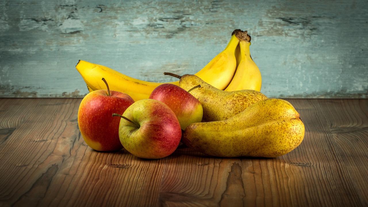 Banana, Apple