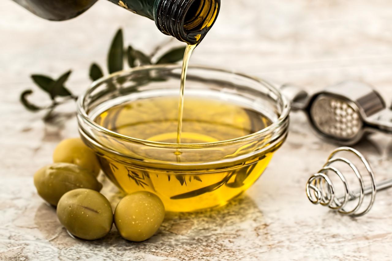 Olive, Oil